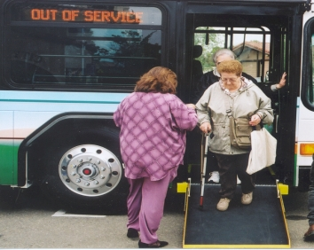 3075-GuideToAccessibleBuses-ExitingTheBus